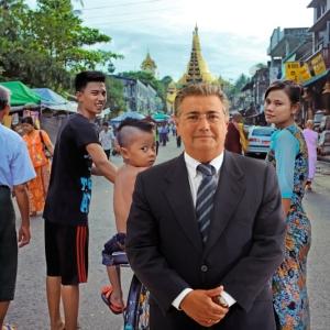 El alcalde de Sevilla, en Myanmar